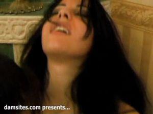 Азиат с другом лишают девственности сексуальную Елену Беркову