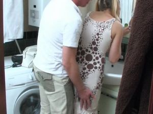 Русский любовник раком ебет киску миленькой подружки с хвостиками
