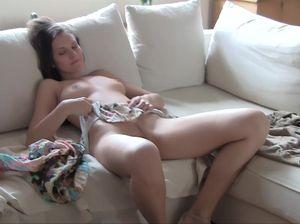 Работница похвасталась превосходным сексуальным телом