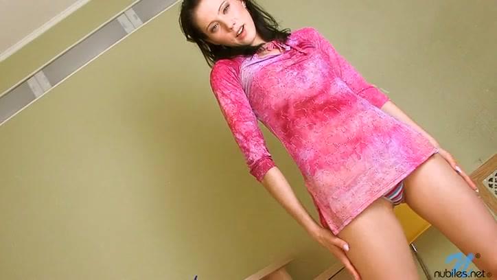 Розовое платье порно онлайн бесплатно