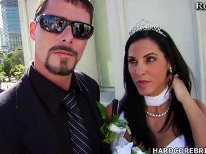 Свадебная фотосессия завершилась крутым сексом