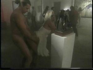 Интересная порно вечеринка в прекрасном ретро стиле