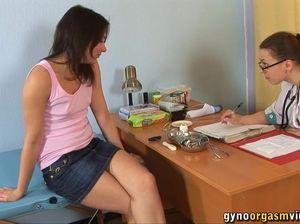 Русский прием у медсестры закончился сочным оргазмом
