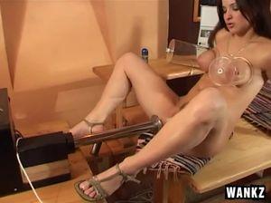 porno-smotret-seks-s-pompoy-foto-devushek-v-cherno-rozovom-plate