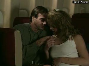 Невеста перепихнулась с женихом в самолете