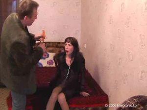 Извращенец связывает и жестко трахет русскую девушку