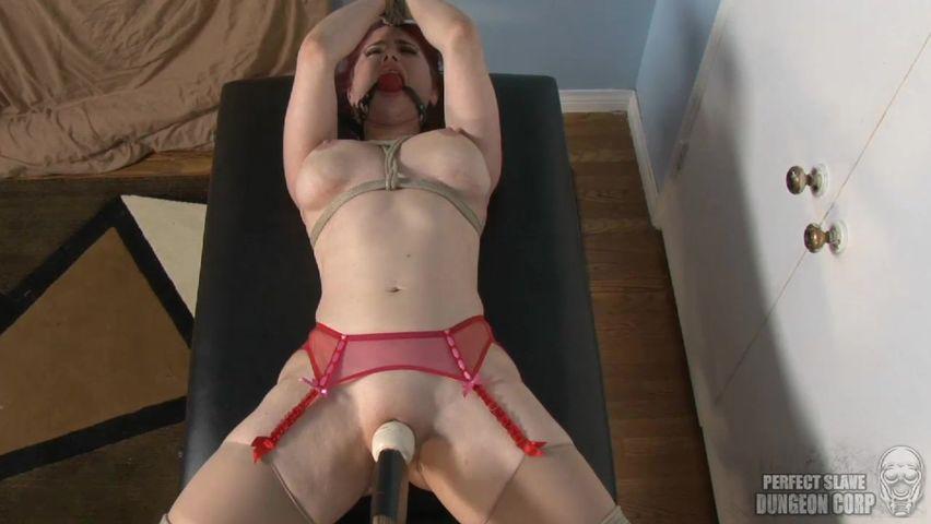 Связал и трахнул вибратором порно видео