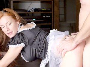 Ебля в рот и классический секс со служанкой
