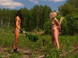 Сексуальные пытки на лесной опушке