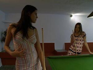 Две красивые лесбиянки занялись сексом на бильярдном столе