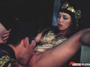 Египетская императрица ебется с цезарем