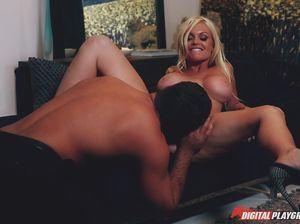 Сексуальная жена уговорила мужа хорошо заняться любовью