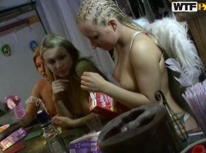 Групповой беспорядочный секс русских студентов на вечеринке