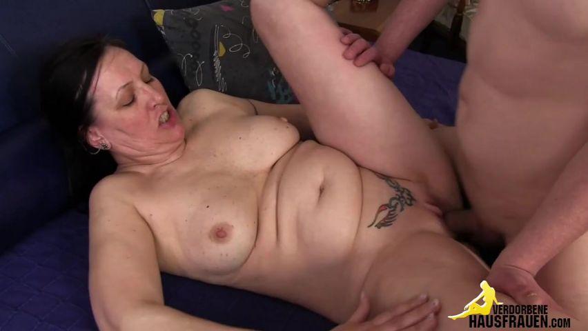 Парень отдался мужику в первый раз порно онлайн