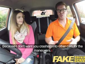 Девушка в фейк такси сделала пассажиру минет