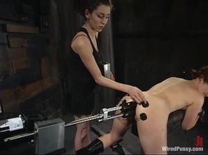 Девушка со связанными сиськами кончила много раз во время дрочки