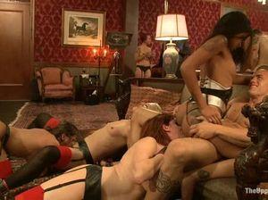 Групповая БДСМ вечеринка с мужским доминированием