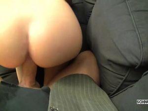 Директор получил минет от секретарши и поимел ее в пизду