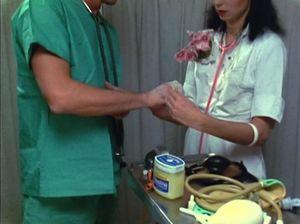 Медсестра соблазнила на секс своего очередного пациента