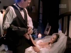 Мужик помог грудастой невесте после свадьбы и трахнул ее в пизду