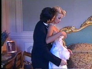 Хороший жених трахнул невесту в чулках в первую брачную ночь