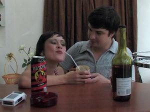 Пьяная русская девушка в красных чулках отдалась парню в туалете в анал