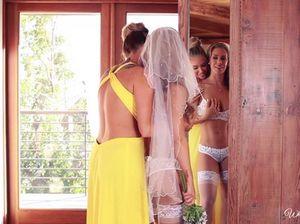 Похотливая подруга трахнула невесту в чулках прямо перед свадьбой