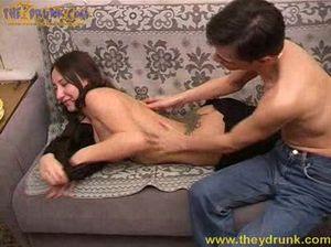 Коля сделал массаж и трахнул пьяненькую подружку Ингу