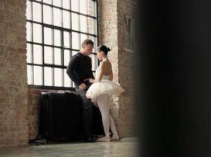 Завораживающий красивый секс с гимнастками в полнометражном фильме