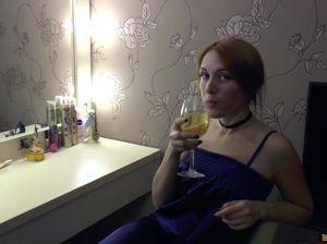 Русские лесбиянки обмениваются кунилингусами на кровати