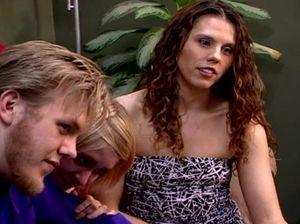 Две семейные пары занимаются свингерским сексом в квартире