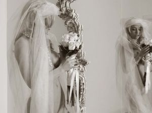 Соло мастурбация прекрасной невесты блондинки
