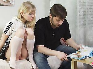Бородатый русский мужик связал и трахнул молодую блондинку