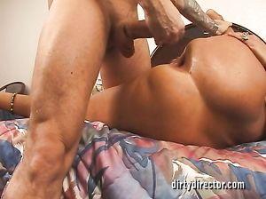 Анальный фистинг зрелой женщины после жесткой ебли в жопу