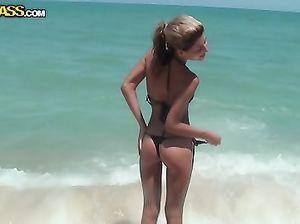Русские любовники трахаются на отдыхе принимая совместный душ