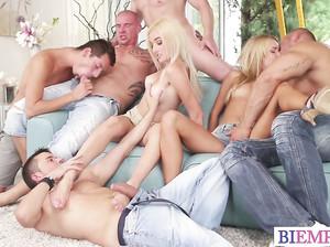 Бисексуальная оргия смотреть онлайн