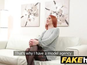 Фейковый порно агент жахает рыжую доверчивую модель