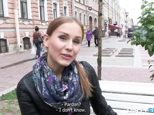 Девку на порно кастинге развели на еблю