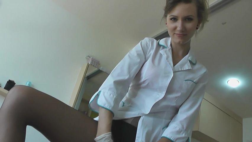 Порно онлайн русская медссестра пришла домой