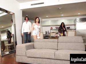 Жирная Анджелина и ее подруга жарятся с мужиком