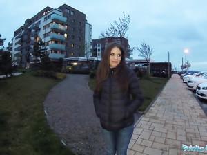 Русскую давалку развели на секс за деньги