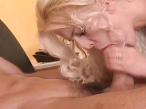 Нарезки порно с красивой сучкой