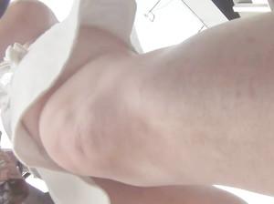Снял тайком лысую пизду в прозрачных трусиках под юбкой