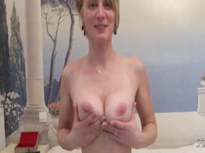 Реальный секс с самкой с натуральными сиськами