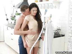 Стефания пригласила парня для анального секса
