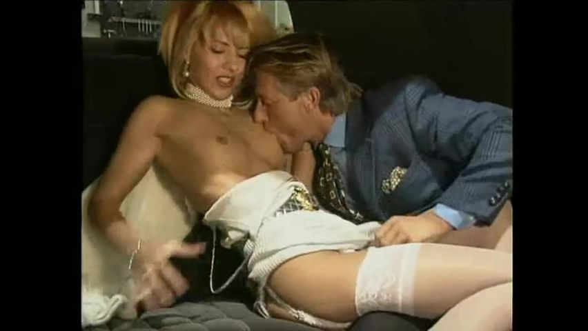 polnometrazhnoe-porno-kino-grudastih-zrelih-aktrisa-milana-erotika-italiya