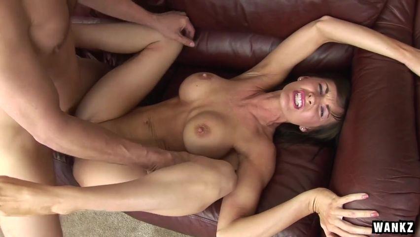 Секс массаж стройная оргазм